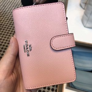 Coach women pink wallet